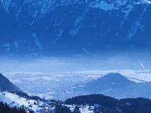 Туманный ландшафт зимы Стоковые Изображения