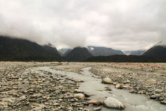 Туманный Frantz Josef River Valley стоковые фотографии rf