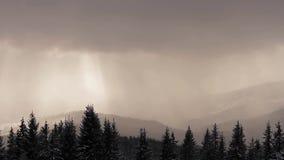 Туман в горах видеоматериал