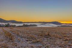 Туман в поселении горы Adygea Стоковые Изображения