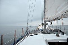 Туман на горизонте над морем Стоковые Фотографии RF