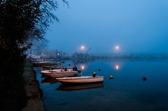 Туман на городке взморья Стоковые Фотографии RF