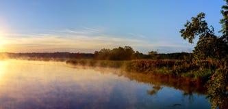 Туман осени в утре на реке Стоковая Фотография