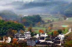 Туман осени горы стоковые изображения rf
