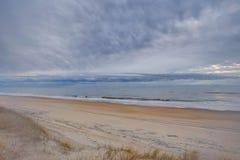Туман пляжа - мечтательный Стоковые Изображения