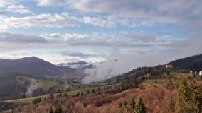 Туман утра в долине горы холмы туманные акции видеоматериалы