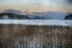 Туман утра на восходе солнца стоковые фотографии rf