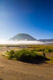 туман mt batok стоковая фотография rf