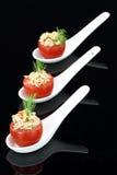 туна заполненных томатов стоковая фотография