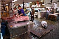 Туна на рыбном базаре Токио Стоковое Изображение RF