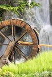 Турбина колеса воды. Стоковые Изображения