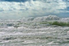 Турбулентные моря на побережье Орегона Стоковая Фотография RF