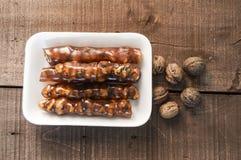 Турецкая сосиска грецкого ореха, изображения турецкого наслаждения грецкого ореха турецкого наслаждения, сделанные с мелассой и н Стоковое Изображение RF