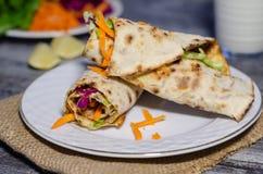 Турецкая традиционная еда; Lahmacun стоковые изображения