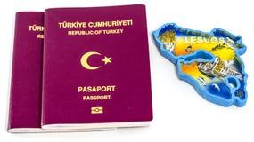 Турецкие пасспорты и остров Lesvos стоковое изображение