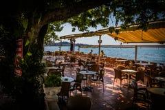 Турецкие чай и кофейня в месте лета Стоковое Изображение RF