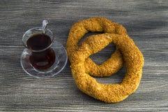Турецкий бейгл, бейгл сезама, кудрявый бейгл, бейгл индюка, бейгл в различных концепциях, чай и изображения кренделей Стоковая Фотография RF