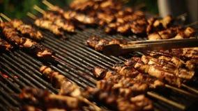 Турецкий цыпленок Shish на BBQ сток-видео