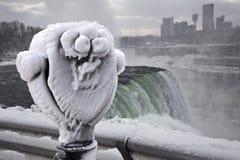 Туризм зимы на Ниагарском Водопаде Стоковые Фото