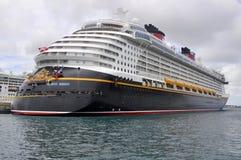 Туристическое судно в Нассау, Багамские острова мечты Дисней Стоковые Изображения