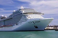 туристическое судно