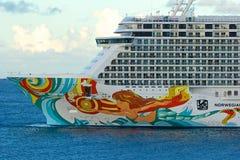 Туристическое судно в порте Кингстауна в St Винсенте Стоковые Фото