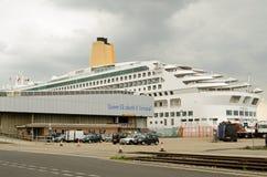 Туристическое судно рассвета, доки Саутгемптона Стоковая Фотография
