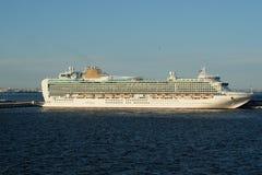 Туристическое судно PandO Azura в Санкт-Петербурге Стоковая Фотография