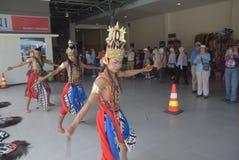 475 туристов получили с начала Volendam туристического судна голландского полагаясь на порте Emas Tanjung в Semarang Стоковые Фото