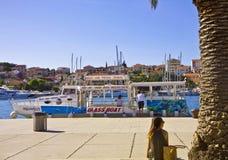Туристские места на прогулке моря Trogir Стоковое Изображение
