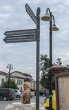 Туристский столб знака Никосия, северный Кипр Стоковая Фотография