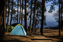 Туристский шатер на ландшафте внутри Стоковые Изображения