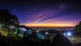 Туристский шатер на ландшафте Стоковое Фото