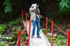 Туристское принимая фото Стоковые Фотографии RF
