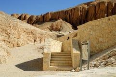Туристы в долине королей около Луксора Египет Стоковые Фото