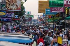 Туристы дороги Бангкока Khao Сан Стоковая Фотография