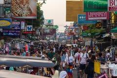 Туристы дороги Бангкока Khao Сан Стоковые Фото