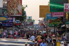 Туристы дороги Бангкока Khao Сан Стоковое Изображение
