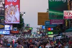 Туристы дороги Бангкока Khao Сан Стоковое фото RF