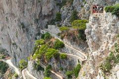 Туристы на высокой точке зрения острова Капри Стоковые Изображения RF