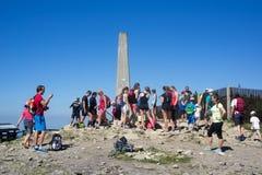Туристы на горе hora Lysa Стоковые Фотографии RF