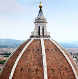 Туристы на куполе собора Флоренса Стоковая Фотография RF