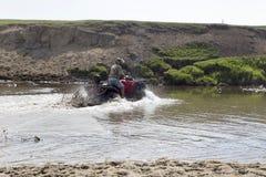 Туристы на Мотовездеходах На ATV Стоковые Фотографии RF