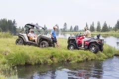 Туристы на Мотовездеходах На ATV Стоковое Изображение