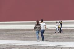 Туристы на дорожке в музее дворца, Пекине, Китае Стоковое Изображение RF