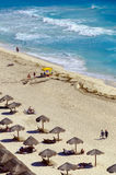 Туристы на пляже в Cancun Стоковая Фотография