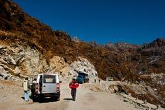 Туристы на пути к пропуску Nathula Стоковое фото RF