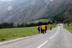 Туристы на пути Стоковые Фото