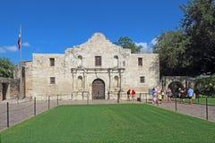 Туристы на Alamo в Сан Антонио, Техасе Стоковое Изображение RF