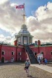 Туристы около башни флага Стоковые Фото